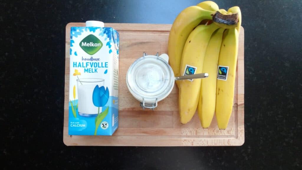 ingredients fresh banana milk